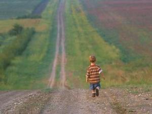در این عمر گریزنده که گویی جز خیالی نیست تو آن جاودان را در جهان خود ، پدید آور